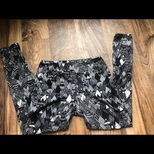 LulaRoe mountain leggings